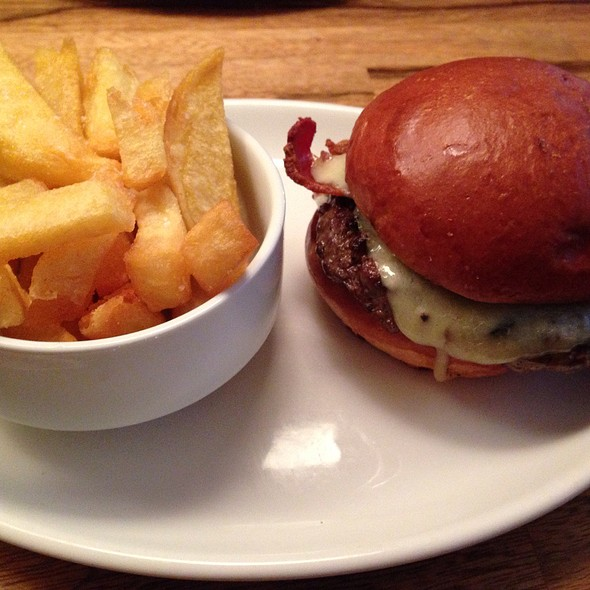 Bacon Cheeseburger & Triple Cooked Fries