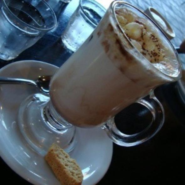 Submarino @ The Coffee Store