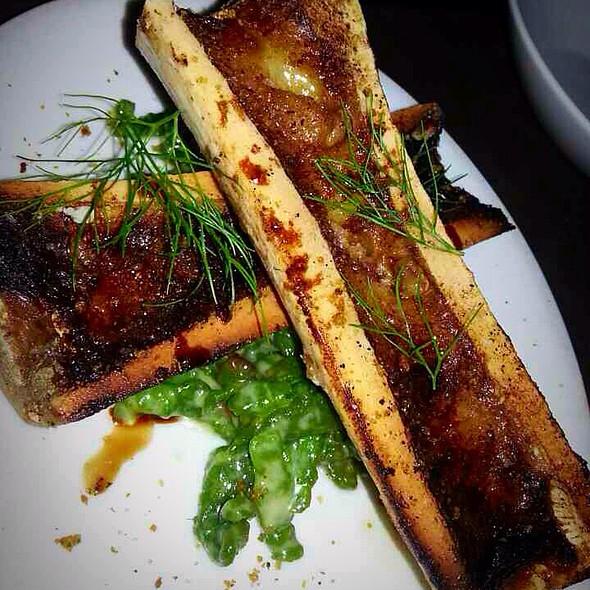how to eat roasted bone marrow