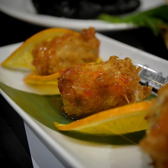 Bombons de Atum, Mozzarella, Basílico e Sweet Chili @ Mercado da Ribeira