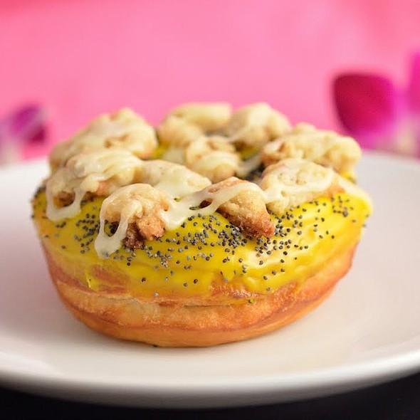 Lemon Poppyseed Donut