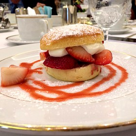 strawberry shortcake - Wilfrid's Restaurant - Fairmont Chateau Laurier