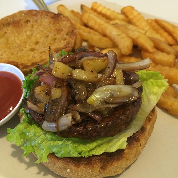 Hawaiian Burger @ Loving Hut - Addison