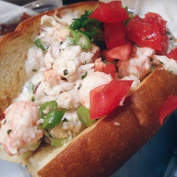 lobster roll @ Pier 76 Fish Grill