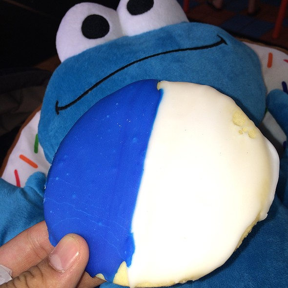 Blue & White Cookie