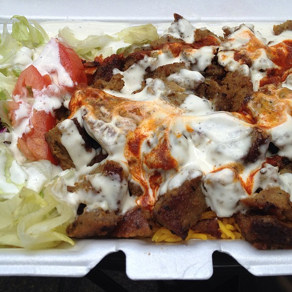 Lamb Over Rice (Extra White Sauce, Spicy) @ Halal Gyro & Chicken Cart
