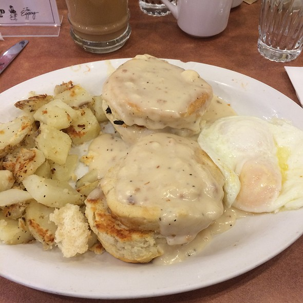 Biscuts And Gravy @ The Good Egg