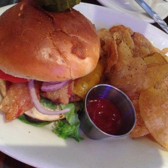 Wisconsin Burger - Weber Grill - Schaumburg, Schaumburg, IL