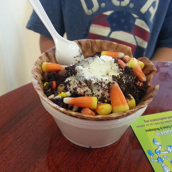 Vanilla Ice Cream @ Brendy's of Wellington