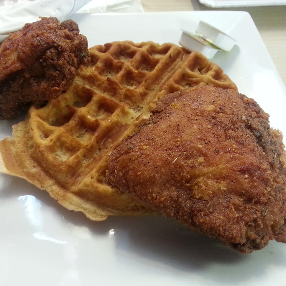 Fried Chicken and Waffles @ Bay Bays Chicken & Waffles
