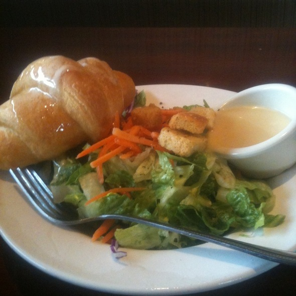 House Salad @ Cheddar's Casual Cafe