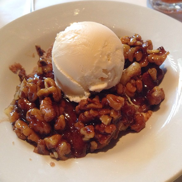 Apple walnut cobbler @ Houston's Restaurant
