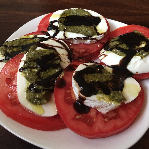 Caprese Salad @ The Castle