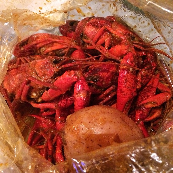 Crawfish @ Hot N Juicy Crawfish