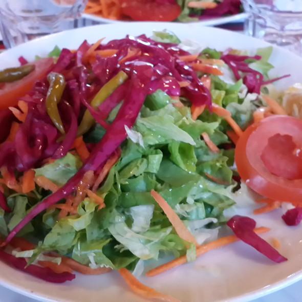 Salad @ Adem Doruk Alabalık