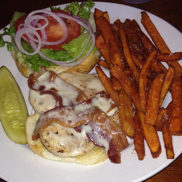 chicken Sandwich! @ Halligan's