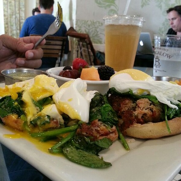 Lobster And Crab Benedict @ Larchmont Bungalow