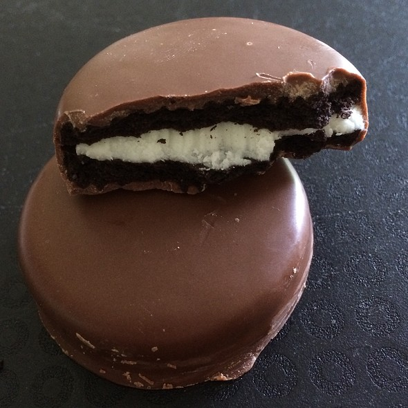 Chocolate Covered Oreo Cookies @ Gencarenzo