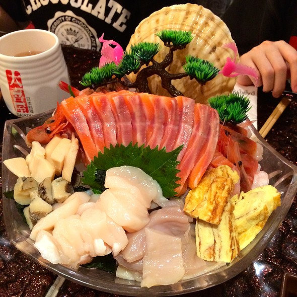 Assorted Sashimi Platter