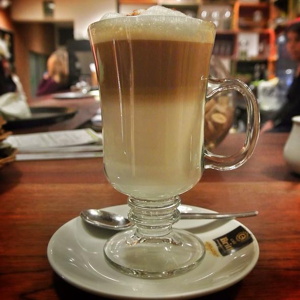 Cafe Latte @ Greens Organic