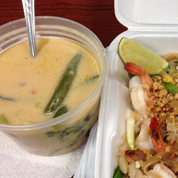 Vegetable Coconut Soup @ Chop Stix Bistro