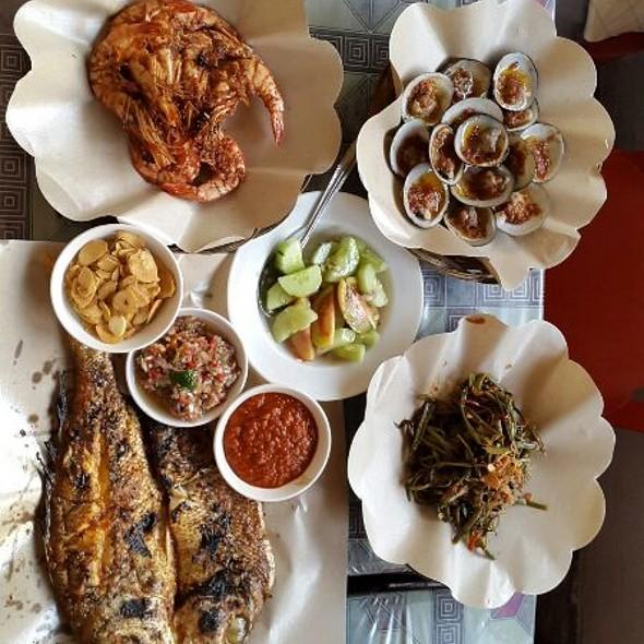 Grilled Seafood @ Warung Mami