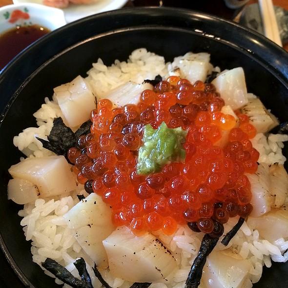 Aburi Hotate & Ikura Gohan @ AOI Restaurant 4th Floor Emporium