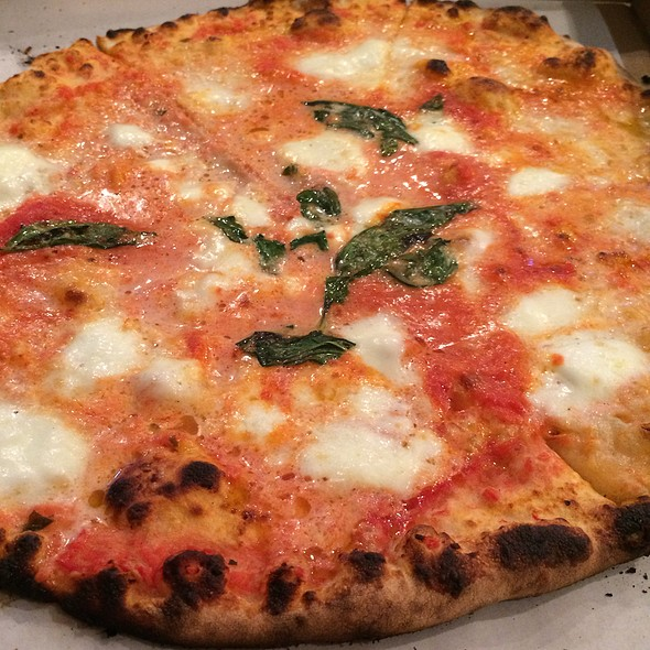 Margherita Pizza @ Nomad Pizza