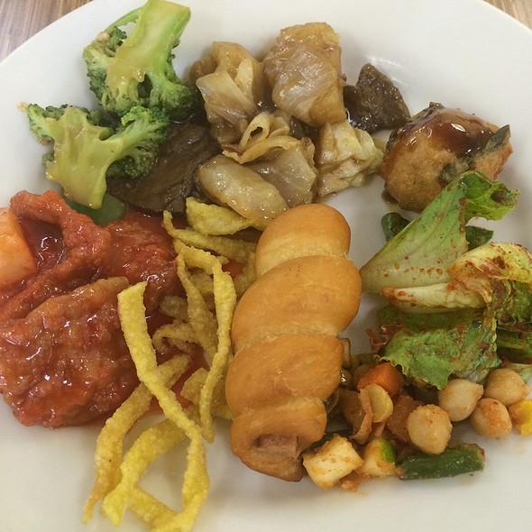 Vegan Buffet @ Veggie Garden