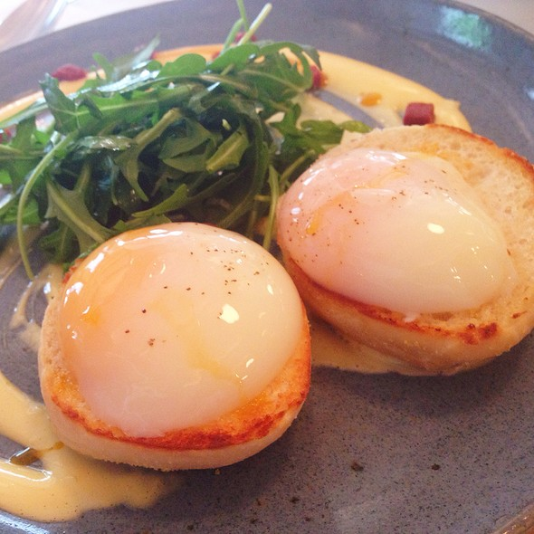 Eggs Benedict @ Rocket Coffeebar