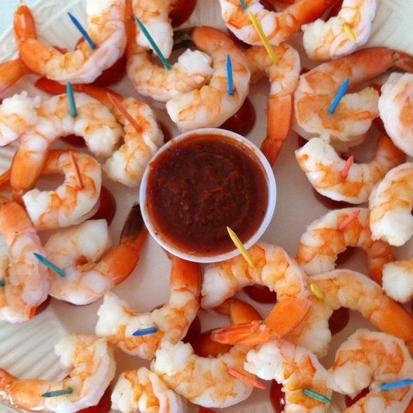 Spiced Shrimp With Cocktail Sauce