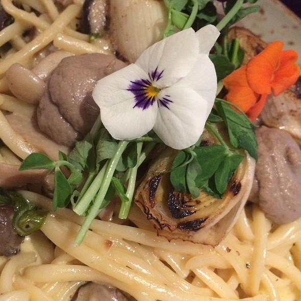 Wild Mushroom & Spinach Linguine