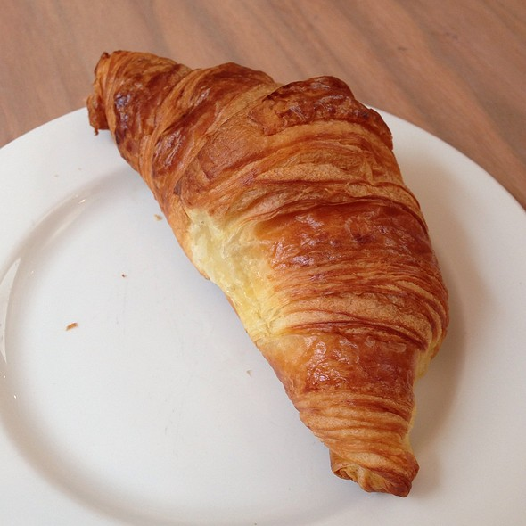 Croissant @ Brussels Airport Business Lounge