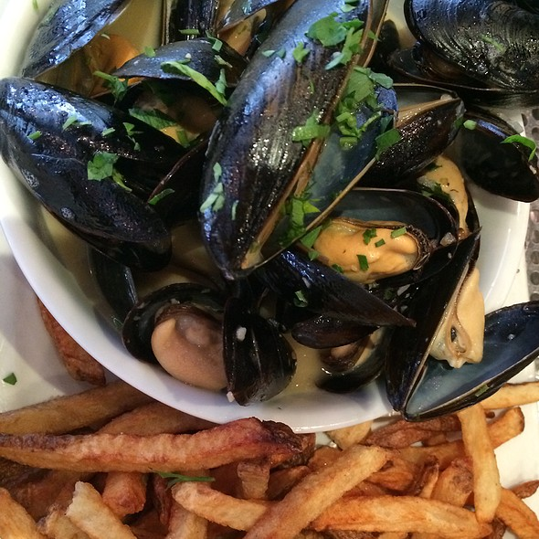 Mussels And Frites - Park Avenue Tavern, New York, NY