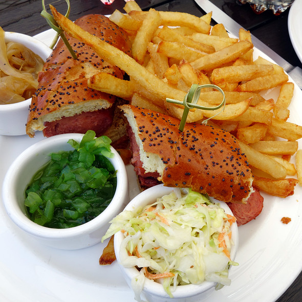 $17 Kobe Beef Hotdog @ Chicago Cut Steakhouse