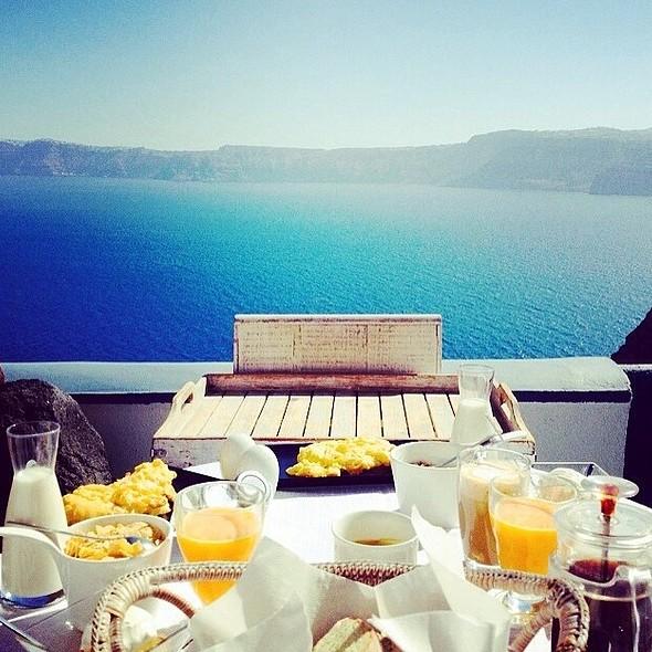 Breakfast @ Astarte Suites