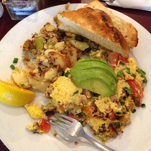 Artichoke Chicken Sausage Omelette @ Honeys Bistro & Bakery