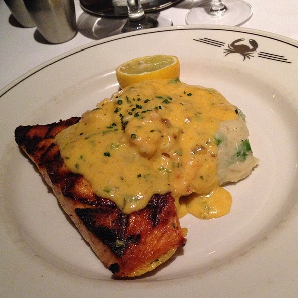 Skuna Bay Salmon Bearnaise @ Trulucks' Seafood Steak & Crab House