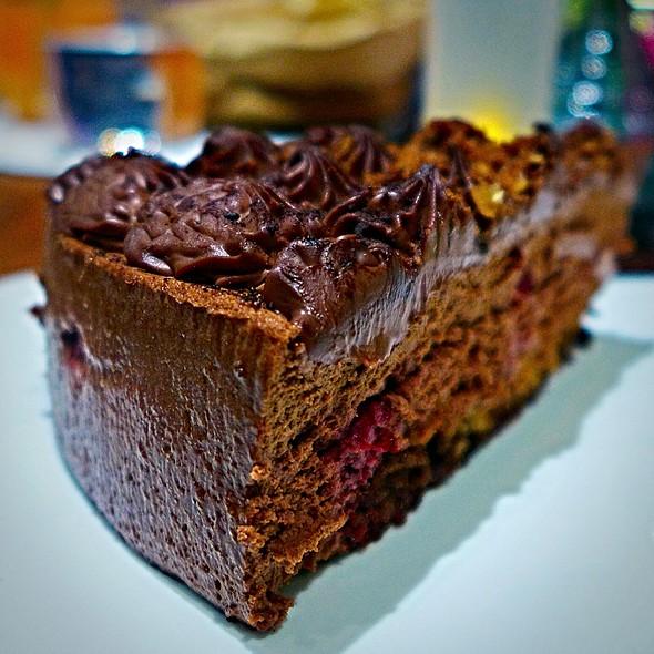 Dark Chocolate Framboise Cake @ Cafe De L'avenue