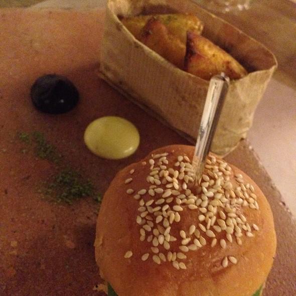 Mini Vegan Burger @ Ottocento