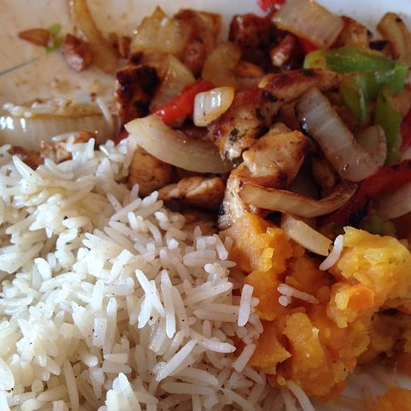 Chicken Sucqar @ Faridas Somalian Cuisine