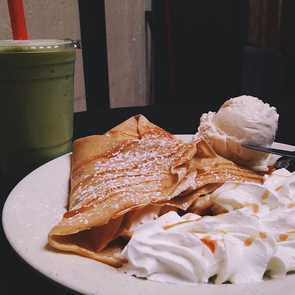 Caramel Banana Creme crepe @ Never Too Latte