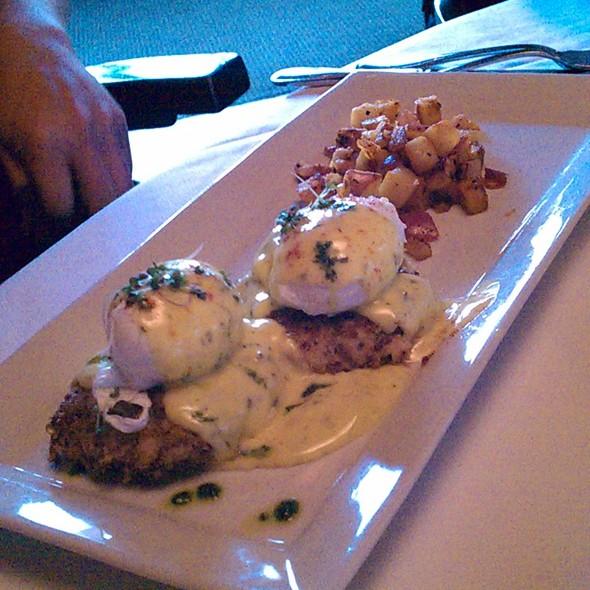 Quinoa Crab Cake Benedict - Hall Street Grill, Beaverton, OR