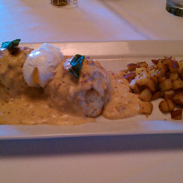 Biscuits and Gravy - Hall Street Grill, Beaverton, OR
