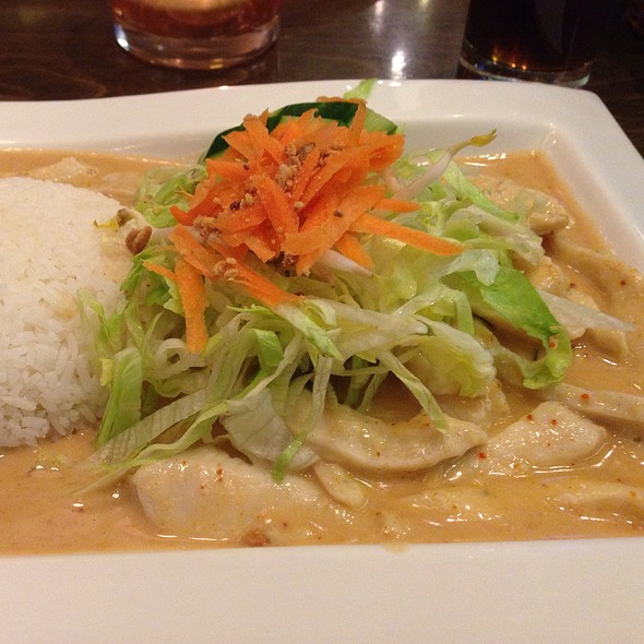 Chicken With Ginger Sauce @ Choice