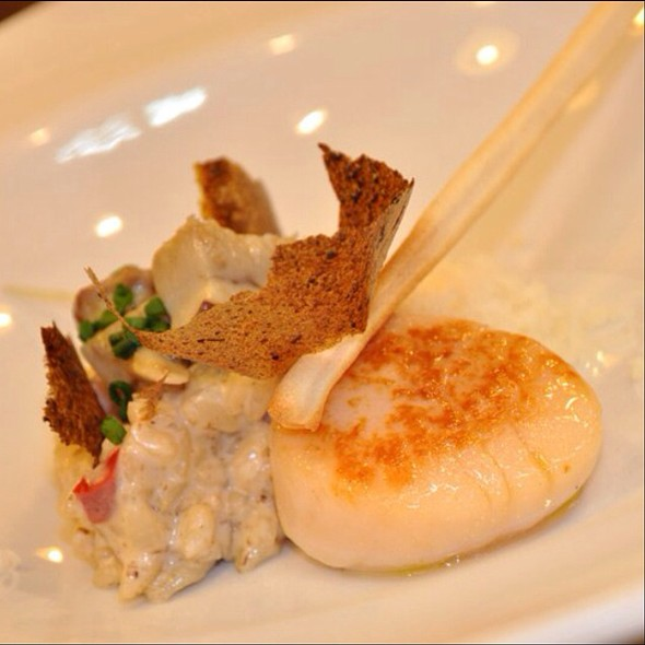 Porcini Risotto, Grilled Scallops And Parmesan Cloud @ Restaurante Café Corrillo