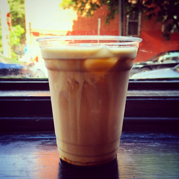 Iced Latte @ Cafe L'Aube