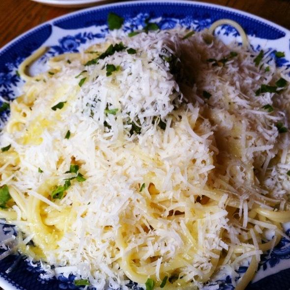 Pesto Spaghetti @ Bateau Ivre