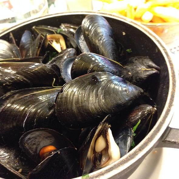 Mussels @ Léon de Bruxelles