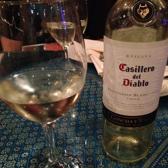 Wine Casillero del Diablo Sauvignon Blanc 2011 - Thai Thani - Orlando, Orlando, FL
